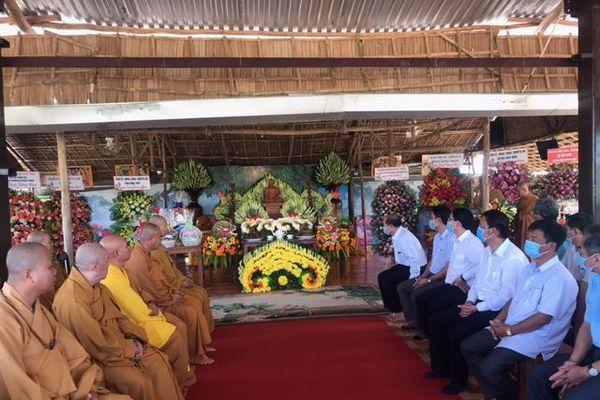 Tưởng niệm Đức Phật hoàng tại thiền viện Trúc Lâm Tháp Mười