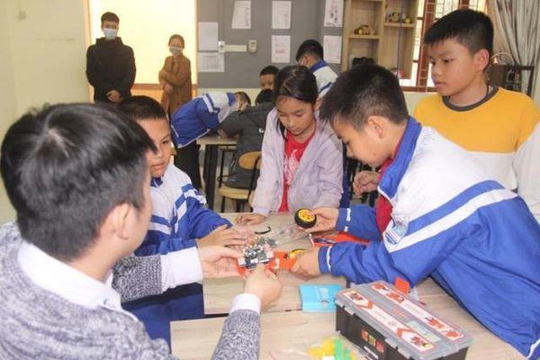 'Áp trần' các khoản thu dịch vụ GD tại Nghệ An: 'Gậy thần' chống lạm thu