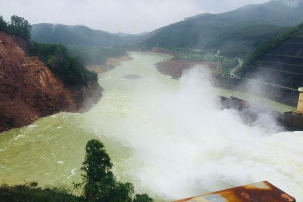Thừa Thiên – Huế: Yêu cầu nhà máy thủy điện Hương Điền xả nước qua tràn để phòng mưa lớn
