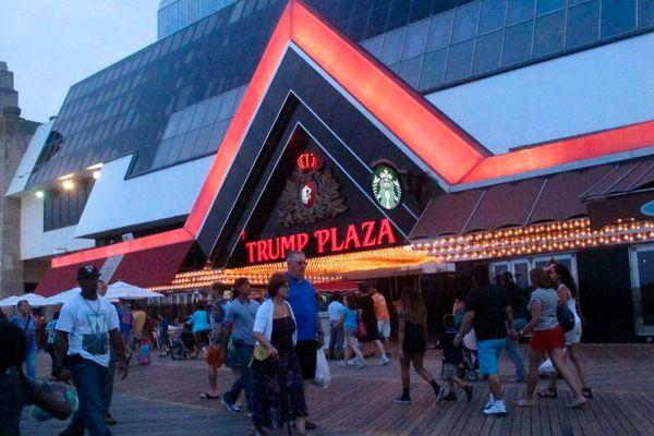 Thành phố Mỹ đấu giá quyền nhấn nút phá sòng bạc cũ của ông Trump