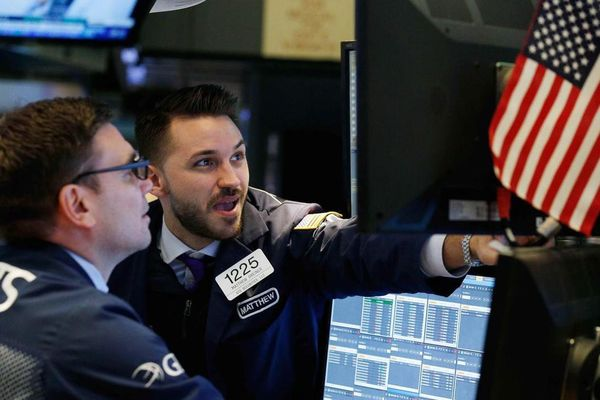 Cả ba chỉ số chứng khoán Mỹ cùng đóng cửa cao kỷ lục