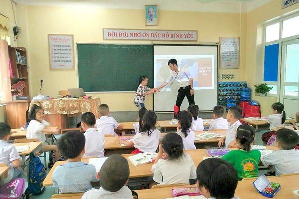 Phòng chống xâm hại trẻ em