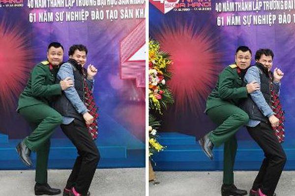 Về dự lễ 40 năm thành lập trường, Xuân Bắc và Tự Long pose dáng tạo điểm nhấn cực hài