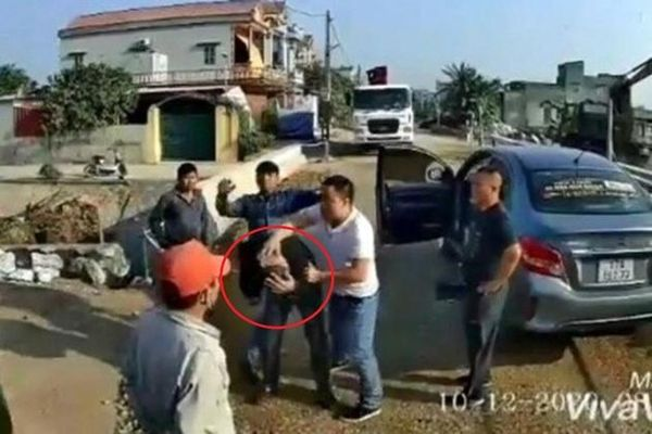 Vụ tài xế xe khách cầu cứu vì bị hành hung: Hé lộ vai trò của Tốt 'Bốn' tại Phúc Cường
