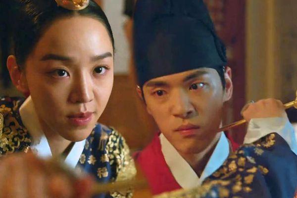 'Mr. Queen' tập 3: Lật bài ngửa, Shin Hye Sun thẳng tay giết chồng trả thù