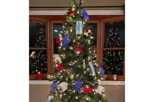 Cây thông Noel mùa dịch Covid-19