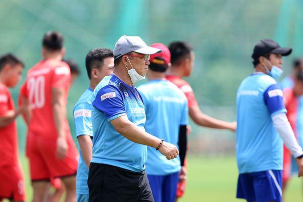 Quang Hải và Tuấn Tài trở lại, thầy Park mừng ra mặt