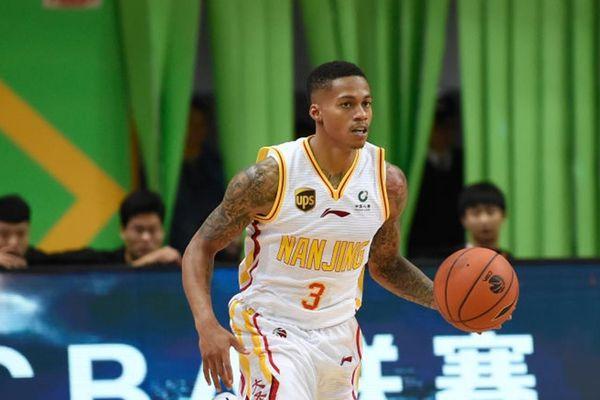 10 cầu thủ ghi điểm hay nhất giải bóng rổ Trung Quốc