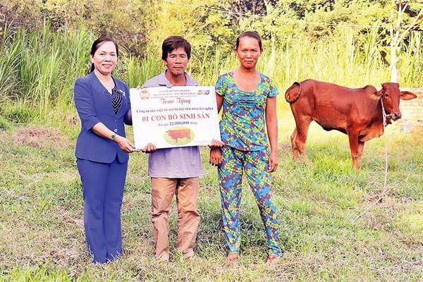 Thêm động lực giúp nông dân vượt khó