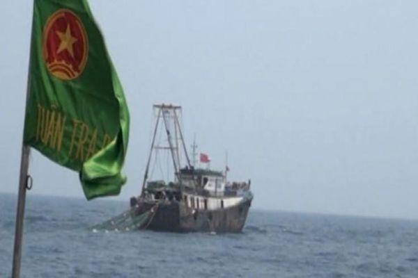 Hai tàu cá Trung Quốc xâm phạm chủ quyền, khu vực giàn khí Thái Bình