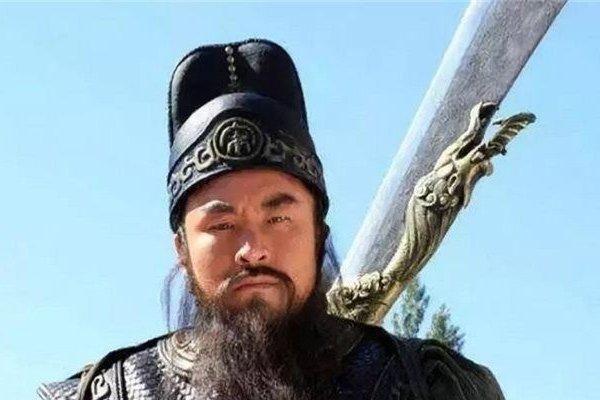 Thủy hử: Quan Thắng một mình đấu Lâm Xung và Tần Minh