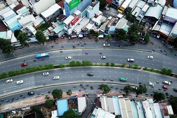 Nâng cấp đường Nguyễn Hữu Cảnh, người dân lo nhà thành 'rốn ngập' mới