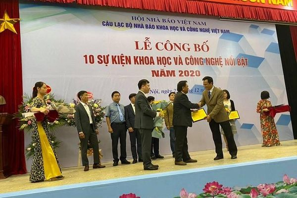 Kè Hồ Gươm lọt top sự kiện khoa học công nghệ năm 2020