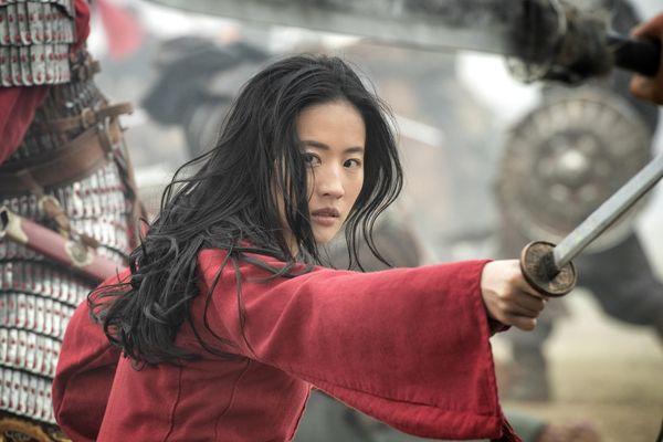 'Mộc Lan' và những bộ phim gây tranh cãi trong năm 2020
