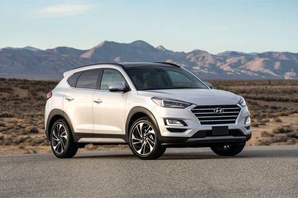 Giá xe ô tô hôm nay 23/12: Hyundai Tucson thấp nhất ở mức 799 triệu đồng