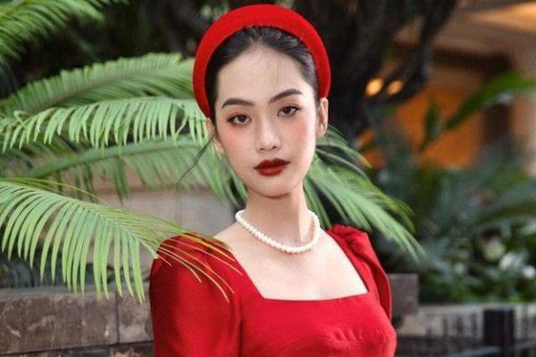 Người đẹp Hoa hậu Việt Nam 2020 rạng ngời đón Noel