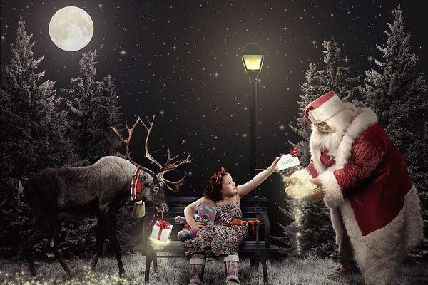 Xúc động bộ ảnh Giáng sinh bên ông già Noel của bệnh nhi giữa mùa COVID-19