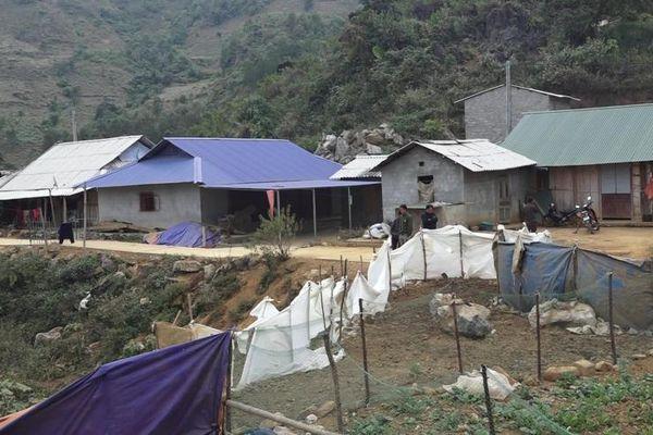 Lai Châu: Gần 70 hộ dân sống 'nơm nớp' lo sợ trên miệng mỏ đá Hồng Thu Mông 5