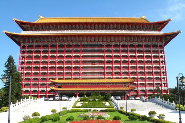 Khách sạn có vẻ ngoài như ngôi chùa