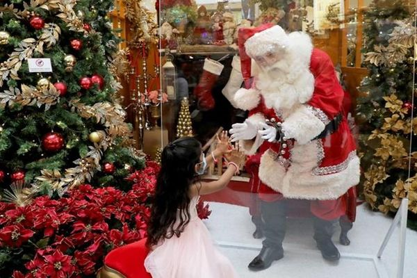 Thế giới đón Giáng sinh trong nỗi lo đại dịch