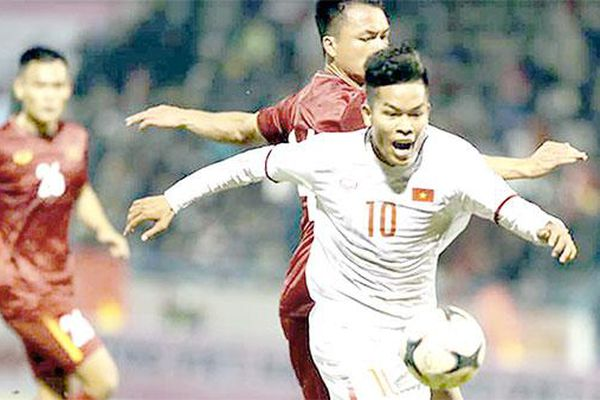 Thấy gì từ trận đấu giữa ông Park với… ông Park: Đội tuyển Việt Nam với sơ đồ 3-5-2