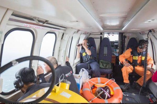 Điều thêm tàu SAR 413 tìm 2 nhân viên hải đăng Hòn Hải mất tích