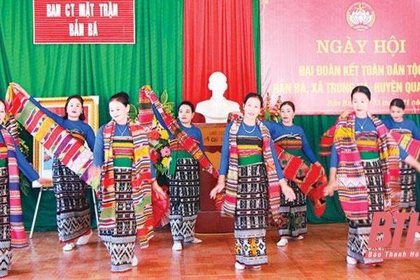 Trang phục truyền thống của phụ nữ dân tộc Thái ở Quan Sơn