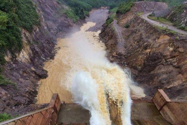 Nóng: Bộ Công thương đề nghị tạm dừng xây dựng các dự án thủy điện nhỏ