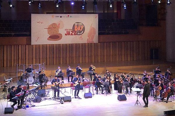 Âm nhạc cổ truyền phối hợp ngẫu hứng jazz