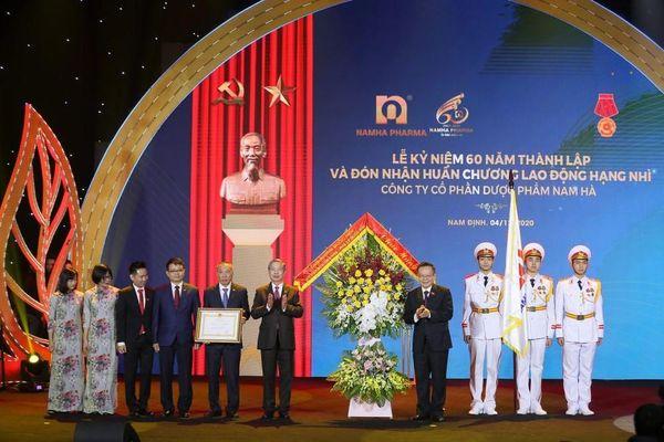 Dược Nam Hà đạt nhiều thành tựu lớn trong năm khó khăn