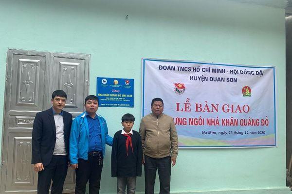 Quan Sơn (Thanh Hóa): Bàn giao 'Ngôi nhà khăn quàng đỏ' cho học sinh có hoàn cảnh đặc biệt khó khăn