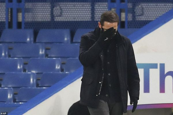 Chelsea và Aston Villa mất cơ hội vào Top 4 Premier League