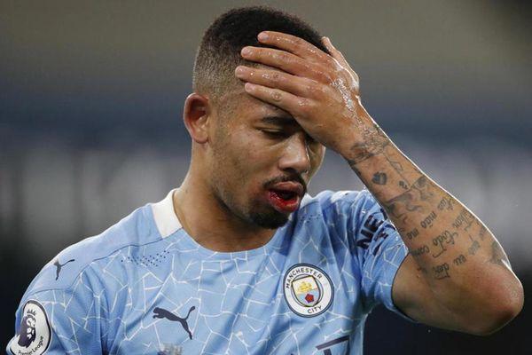 Man City 'toang' vì Covid-19, hoãn trận Everton
