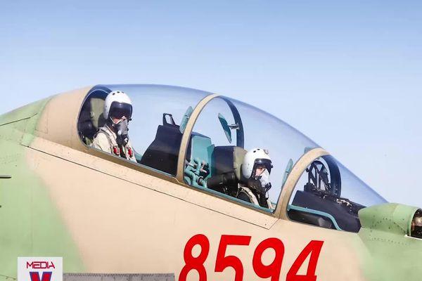 Duy nhất trong lịch sử không quân thế giới: Một nhà có 3 phi công quân sự