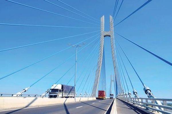 Ðột phá phát triển kết cấu hạ tầng giao thông