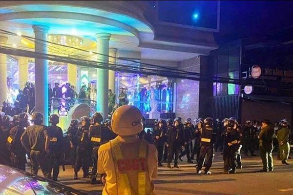 Khánh Hòa: Đột kích quán karaoke Crown, phát hiện 55 thanh niên 'phê' ma túy
