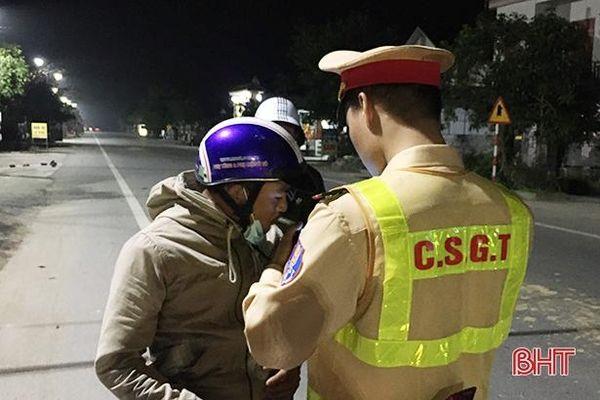 Công an Thạch Hà xử phạt 30 lái xe vi phạm nồng độ cồn 150 triệu đồng