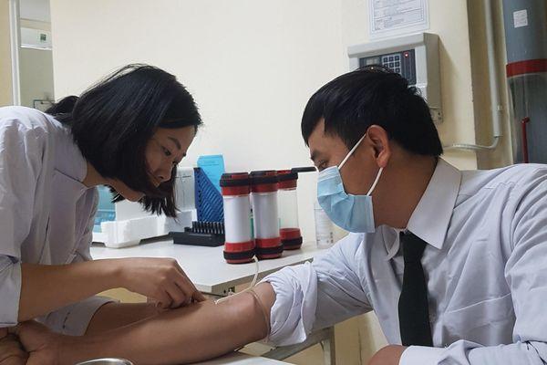Chiến sĩ công an Hà Tĩnh hiến máu cực hiếm cứu người bị tai nạn