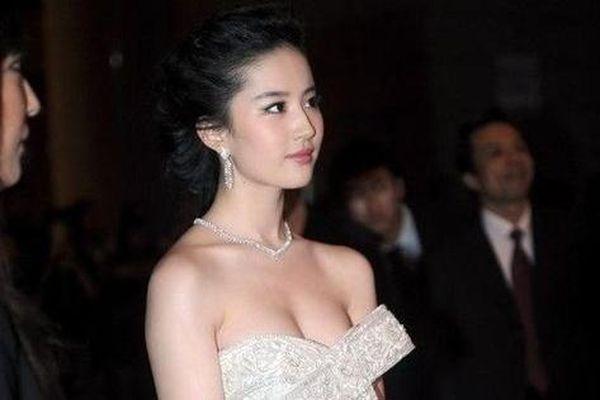 Diễn viên lạm quyền và vấn nạn ở showbiz Trung Quốc