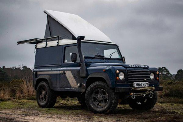 Land Rover Defender được nâng cấp thành lều cắm trại di động
