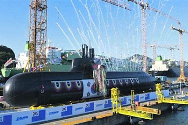 Hàn - Nhật đóng tàu ngầm nhanh như máy in: Răn đe ai?