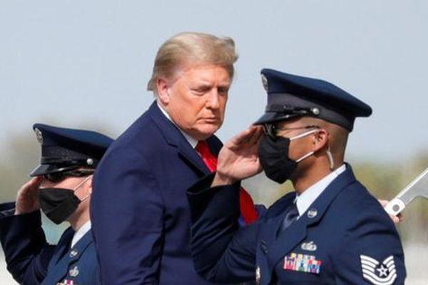 Tổng thống Trump sẽ cho Iran 'ăn cú chót'?
