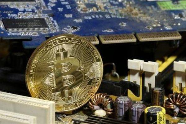 Cổ phiếu và bitcoin đang gặp phải nguy cơ 'bong bóng lớn'