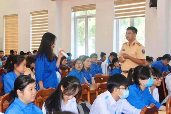 Tăng cường tuyên truyền pháp luật cho thanh niên