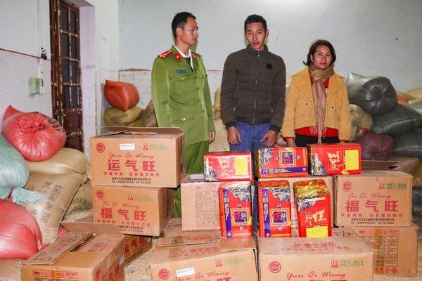 Điện Biên bắt 3 đối tượng, thu giữ 202kg pháo nổ