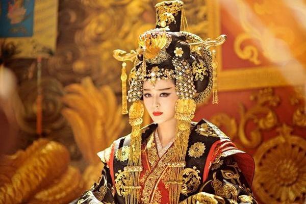Hoàng hậu Võ Tắc Thiên lạnh lùng tàn độc nhưng chỉ cần nhắc đến 2 thứ này là sợ 'khiếp vía'