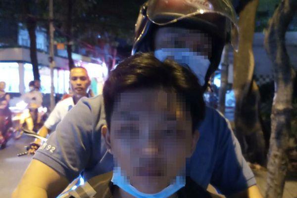 Bắt thiếu niên 16 tuổi giật điện thoại ở Tân Phú