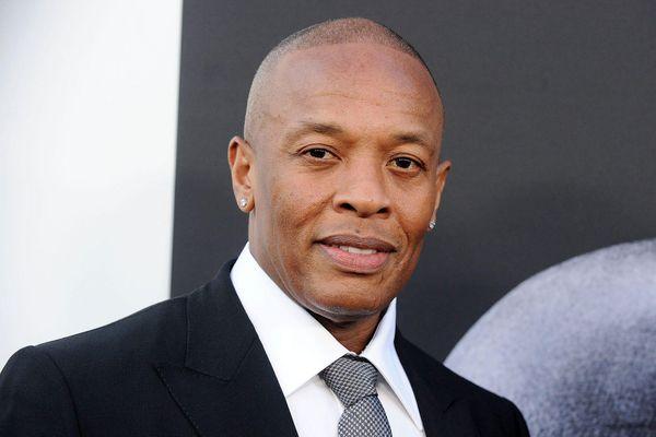 Rapper Dr. Dre nhập viện do phình động mạch não