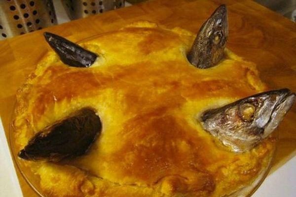 Món bánh nướng kì lạ nhân... đầu cá