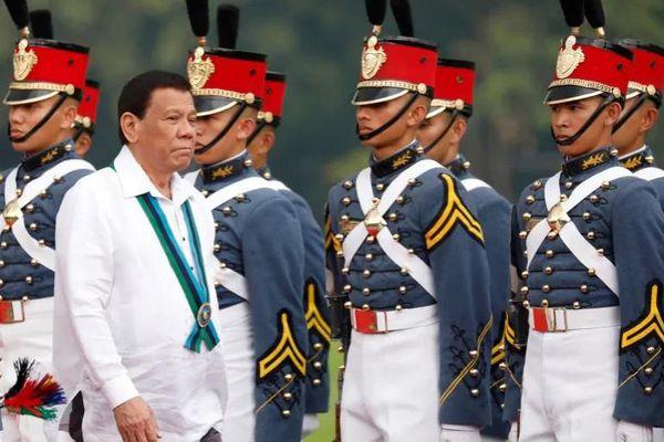 Philippines hủy điều tra đội cận vệ tổng thống tiêm vắc-xin Trung Quốc chưa cấp phép